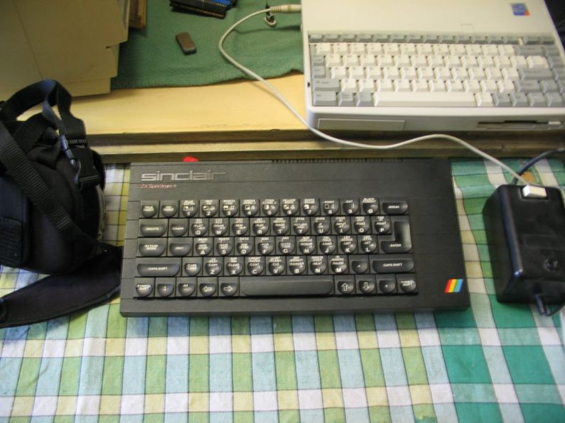 07_RockOn_Sinclair_ZX_Spectrum_plus.jpg