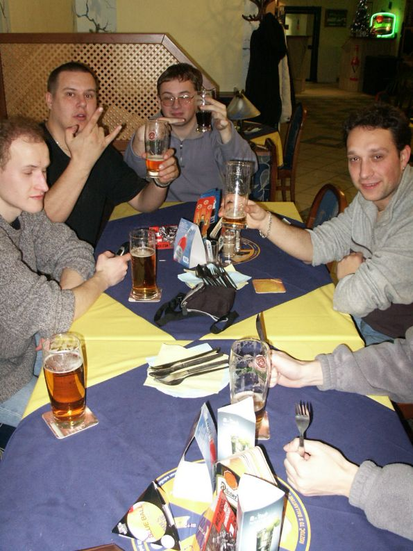 JHCon2003_2_Zilog_Our_First_Dinner.jpg